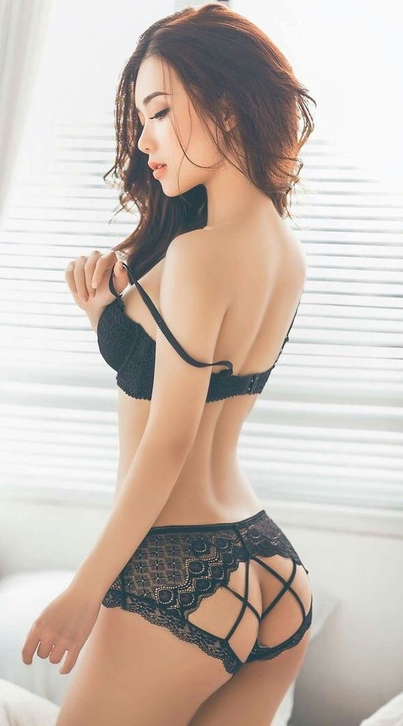 Avail Female Escort Service In A Very Low Rate And Have Fun All Over The Night.